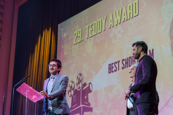 Receiving the TEDDY AWARD: Omar Zúñiga Hidalgo (San Cristóbal)